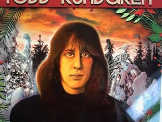 """Youp van 't Hek's kerstkonijn """"Flappie"""" op het kerstmenu van Todd Rundgren als Floppy"""