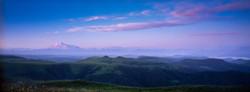 Розовый рассвет над Эльбрусом