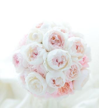 淡い甘いピンクのバラのブーケ