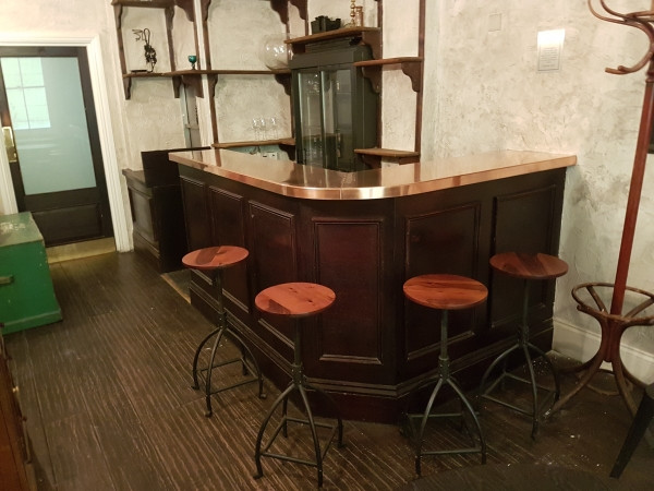 Bar worktop in copper