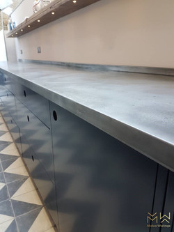 Zinc worktop with custom patina