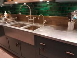 Under-mounted sink in zinc worktop