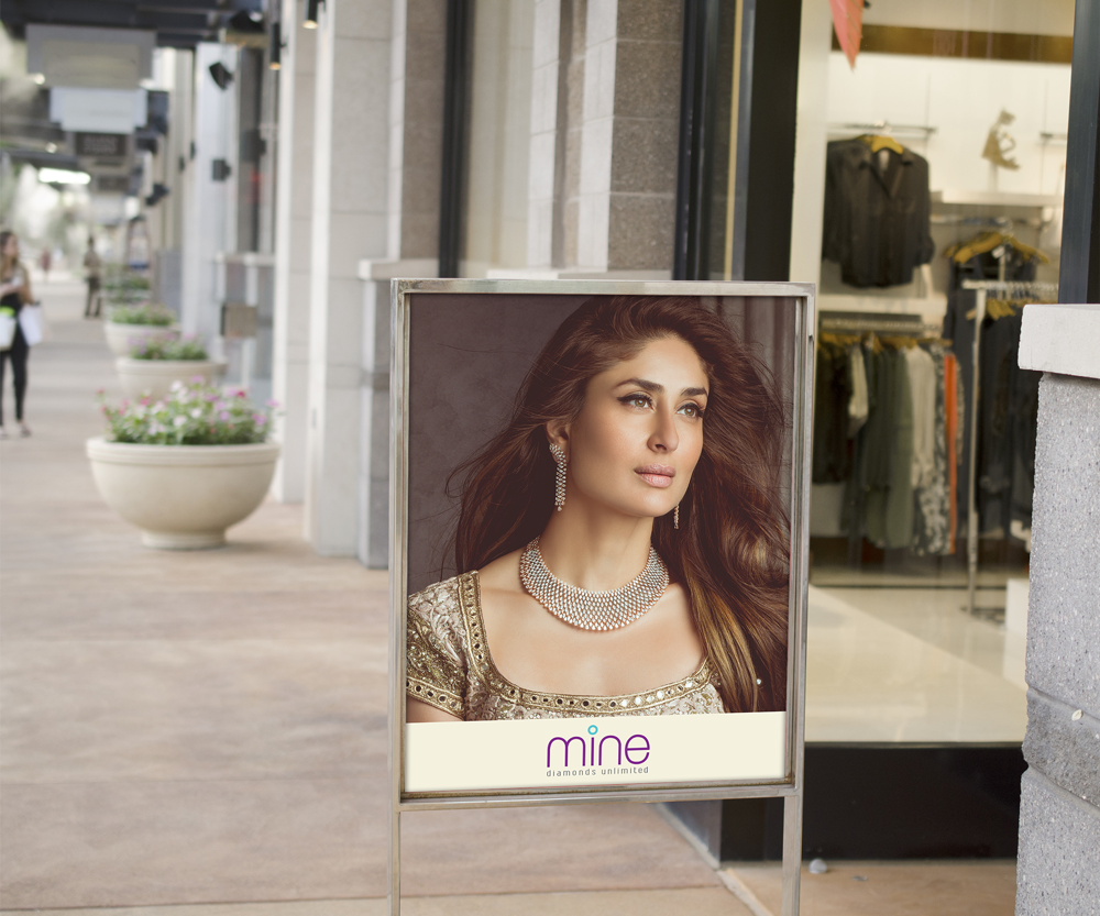Sale-Sign-Outside-Retail-Store-Mockup