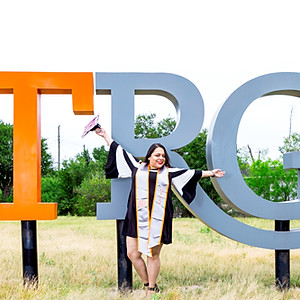 Nereida Graduation Session