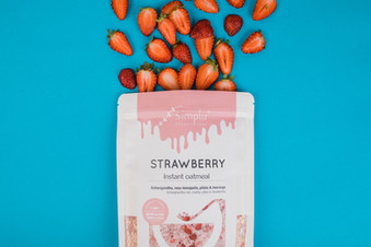 Simplu Strawberry Instant Oatmeal