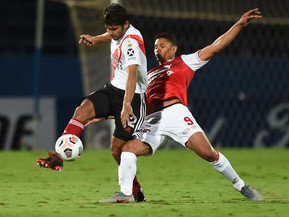 La ineficacia privó a un River alternativo del triunfo ante Independiente Santa Fe en Paraguay