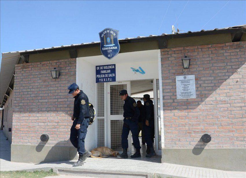 Comisaria Nº 17 de Barrio Solidaridad - La mamá del adolescente contó entre lagrimas y bronca lo sucedido.