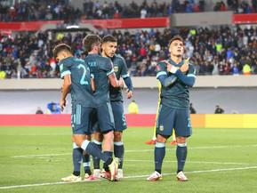 Argentina, sin lucirse, le ganó a Perú y se encaminó a Qatar 2022
