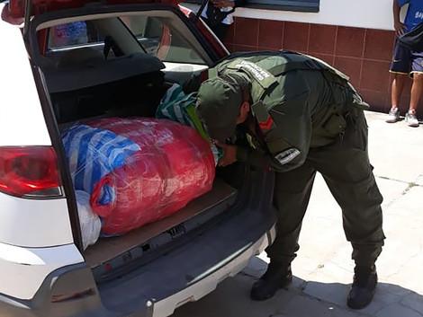 #Ruta50 Incautan más de 12 kilos de cocaína dentro de una caja y una mochila