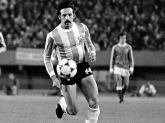Murió con coronavirus Leopoldo Jacinto Luque, campeón, goleador implacable y de temple gigante