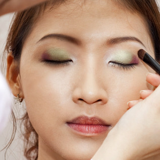 Make-up%20treatment._edited.jpg