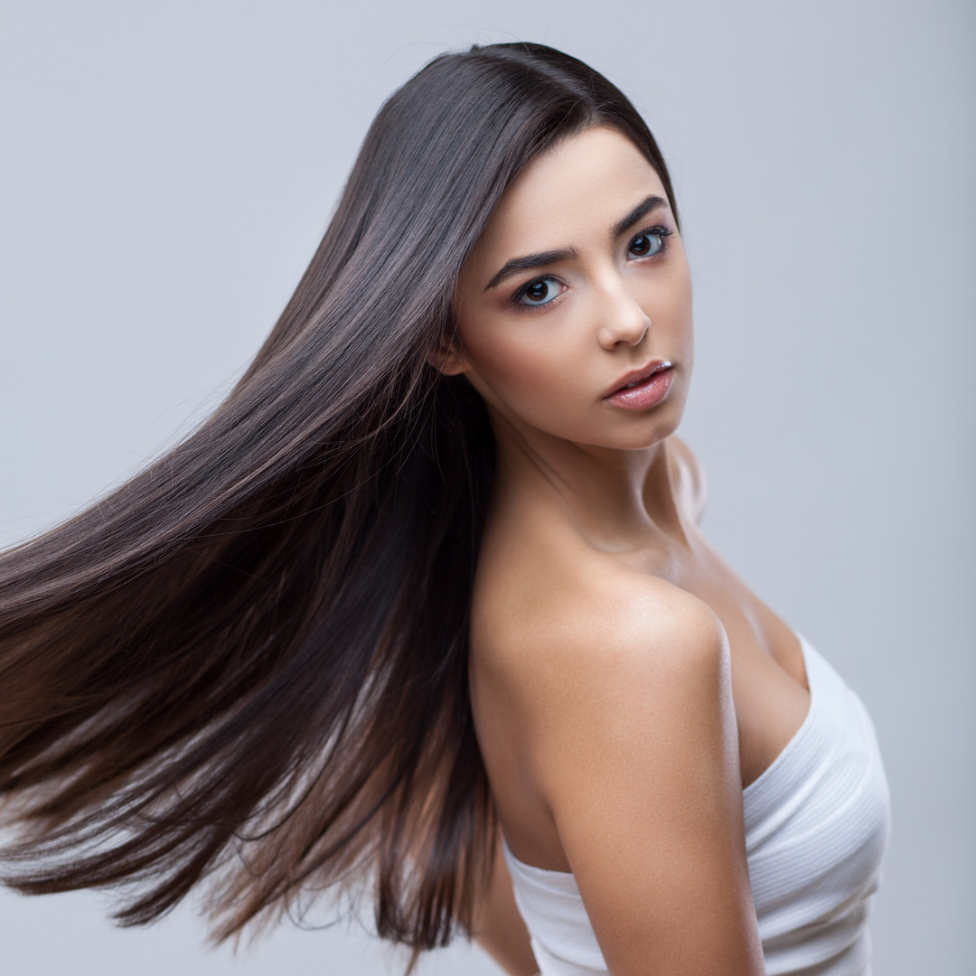 Hair. Beautiful Brunette Girl. Healthy L