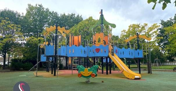 Une aire de jeux dans le parc Nelson Mandela à Thionville