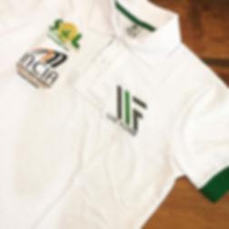 Póloem malhão 100% algodão,modelagem Slim Fit,punho e vários bordados de patrocinadores.