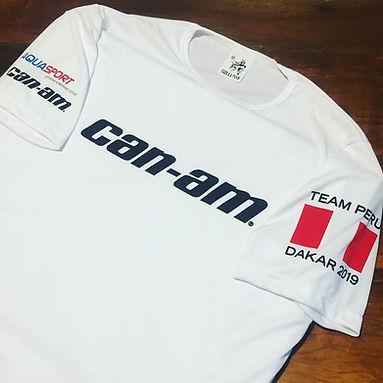 Camiseta em DRY FIT 100% poliéster com elastano estampada em silk de ótima qualidade.