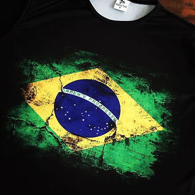 Camiseta em DRY FIT de poliéster com elastano estampada em sublimação de excelente qualidade.