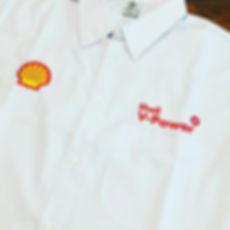Camisa em tricoline Santista misto de algodão e poliéster com baixo indíce de amassamento,corte atual com excelente caimento,os logos podem ser bordados ou estampados.