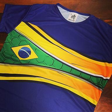 Camisa em DRY FIT 100% poliéster estampada em sublimação de excelente qualidade.