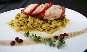 запечено пилешко с домати и моцарела вър