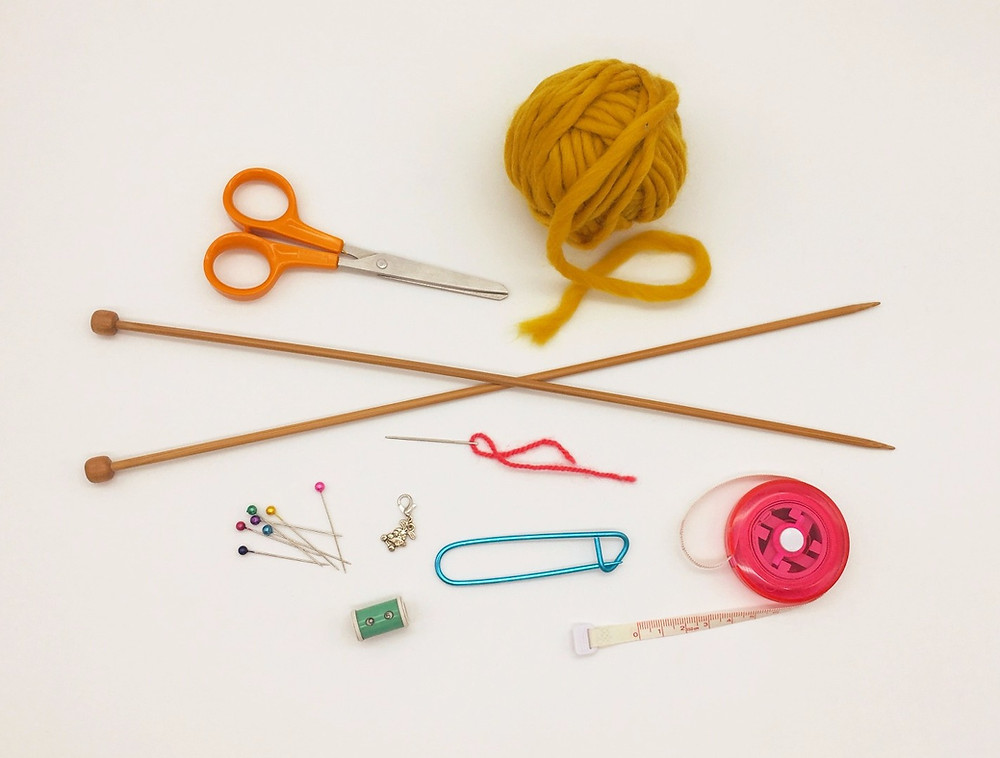 The tools and materials you need when you learn to knit