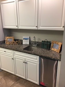 PW2 604 WET BAR NEW CABINETS.jpg
