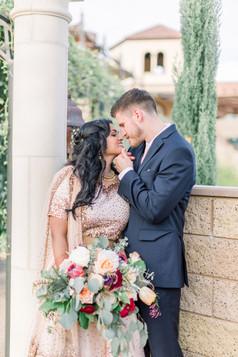 mr & mrs with bouquet _fazeli