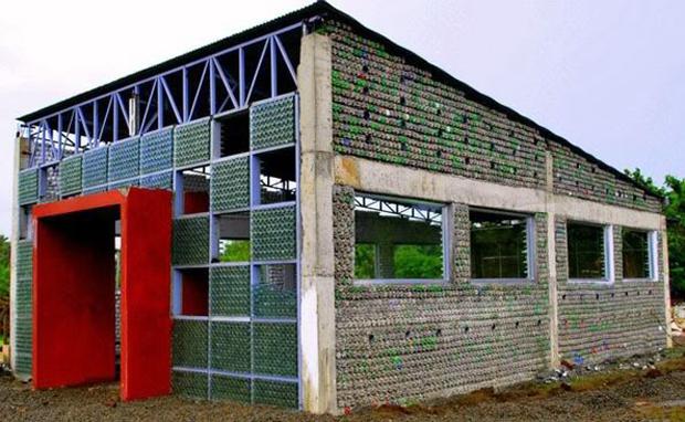 escuela reciclada