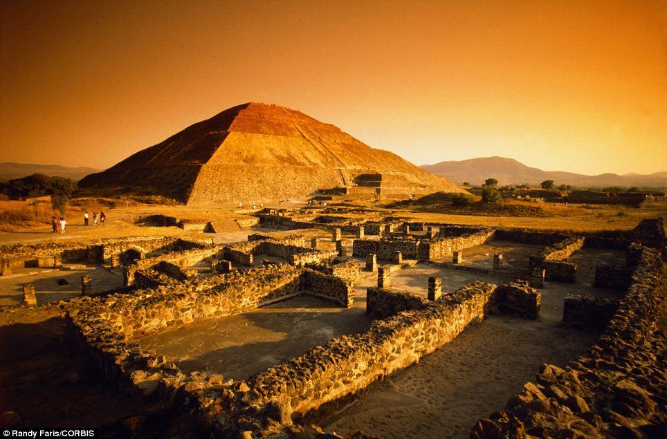 teotihuacan-2-piramide-del-sol
