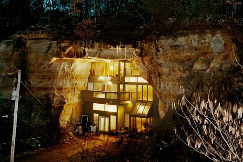 una casa en una caverna