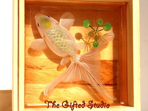 White Goldfish with Clover | Resin Art