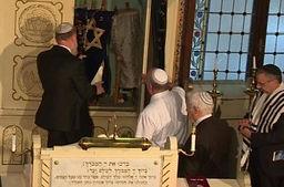 Tour de ascedencia judía en Serbia-sinagoga.jpg