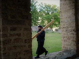 Tour de los monasterios en Serbia-monje.jpg
