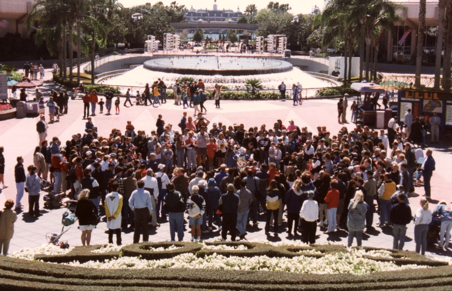 epcot crowd2