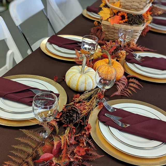 8' Guest Table Display