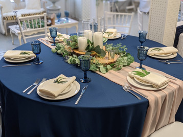 Round Table setting in Navy & blush pink