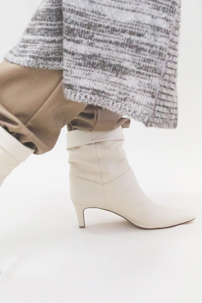 Art.no. AP-6 Heel: 6cm Price: 38,000yen+TAX Color: Ivory