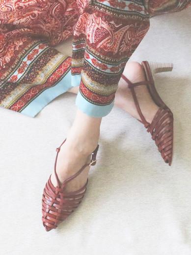 Art.no. AN-1 Heel: 5.5cm Color: Natural-Mix, Brown, White Price: 29,000yen+TAX