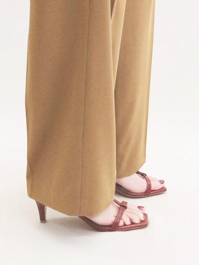 Art.no. OM-5 Heel: 6cm Price: 29,000yen+TAX Color: Croco-Black, Croco-Brick, Croco-Choco
