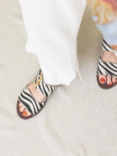 Art.no. LS-1 Heel: 0.5cm Color: Zebra Price: 32,000yen+TAX