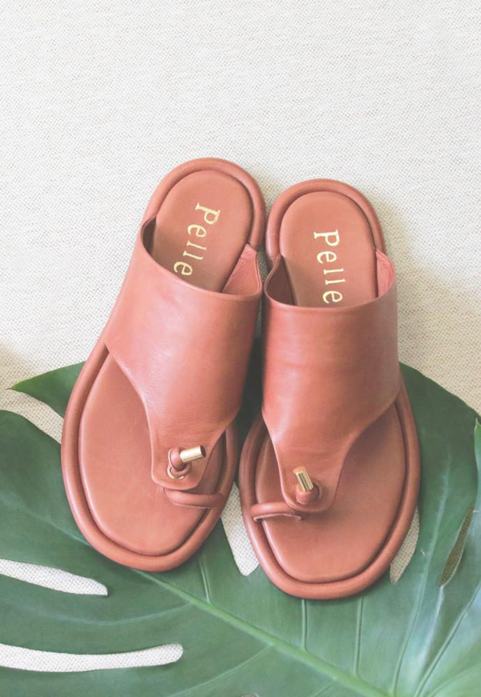 Art.no. AD-1 Heel: 0.5cm Color: Brown, Black Price: 34,000yen+TAX