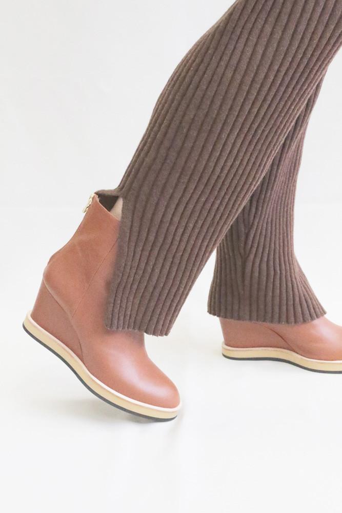 Art.no. AW-9 Heel: 7.5cm (Storm: 1.8cm) Price: 42,000yen+TAX Color: Cognac, Black, Taupe