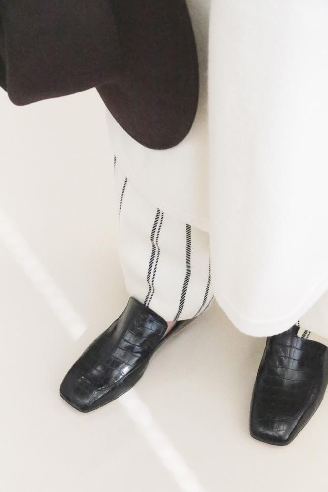 Art.no. TR-3S Heel: 1.5cm Price: 28,000yen+TAX Color: Croco-Black, Croco-Brick