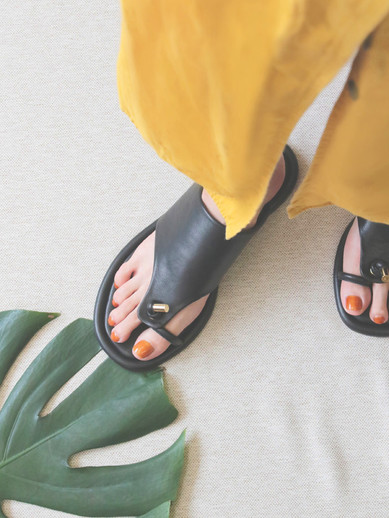 Art.no. AD-1 Heel: 0.5cm Color: Black, Brown Price: 30,000yen+TAX