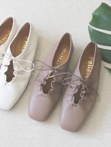 Art.no. TR-5 Heel: 1.5cm Color: White, Black (※Oakは参考色) Price: 29,000yen+TAX