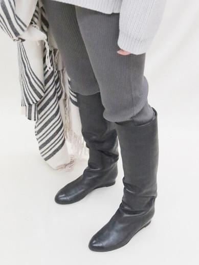 Art.no. GLL-1 Heel: 2.5cm Price: 46,000yen+TAX Color: Black, Navy