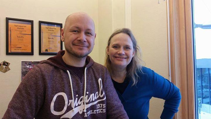 Vilde Bjerke og Rune Østlyngen i Alta radioen - hvor hun urfremførte sin sang _Mirakelet_ med tekst