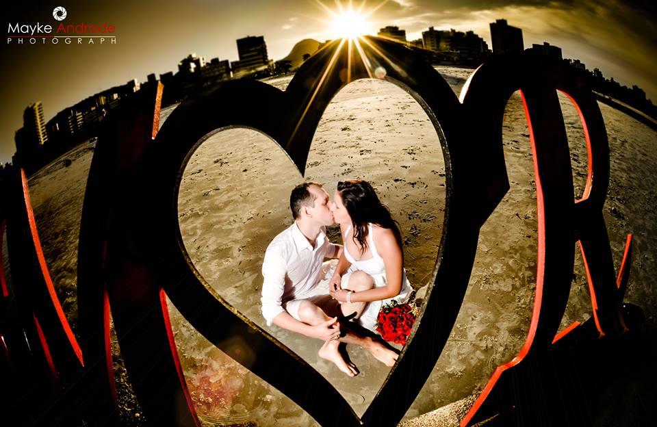 Amor em mdf para sessão de fotos