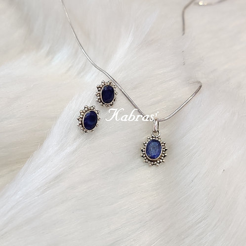 Star Oval Sapphire Pendant Set