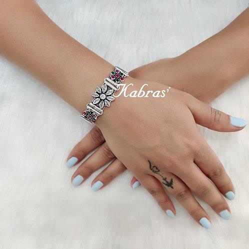 Floral Cut Stone Bracelet (2 Color Options)
