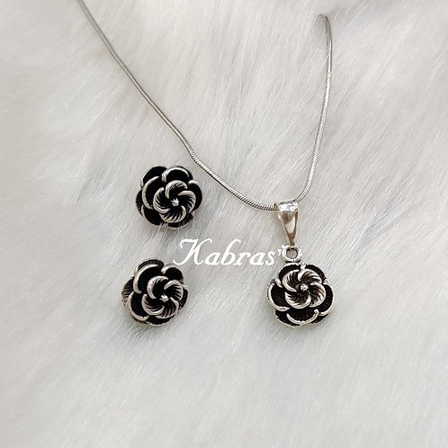 Curled Rose Pendant Set